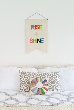 Waking up in a sunny mood is easy with this colorful banner.