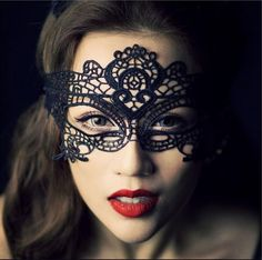 Women's Masquerade Party Noble Mysterious Lace Crown Mask - Black   http://www.dx.com/401578