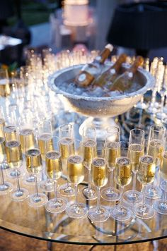 Champagne serving at wedding¨ www.the-champagne. Champagne Bar, Champagne Toast, Cristal Champagne, Wedding Champagne, Champagne Fountain, Bubbly Bar, Champagne Buckets, Champagne Glasses, Outdoor Bridal Showers