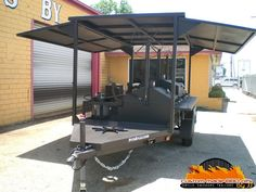 Bbq Smoker Trailer, Bbq Pit Smoker, Barbecue Grill, Food Cart Design, Grill Design, Bar B Que Pits, Custom Bbq Pits, Mobile Catering, Wood Rack