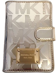 12cc67d2e Amazon.com: Michael Kors Jet Set Item Passport Holder Case Pale Gold PVC:  Shoes