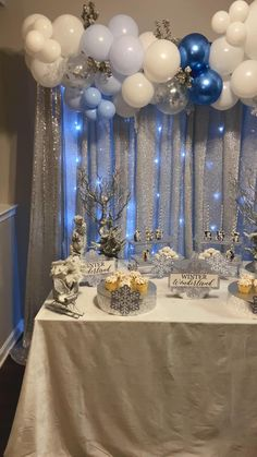 Simple Birthday Decorations, Frozen Party Decorations, Birthday Balloon Decorations, Baby Shower Decorations, Blue Birthday Parties, Frozen Themed Birthday Party, Birthday Party Themes, Frozen Backdrop, Balloon Backdrop
