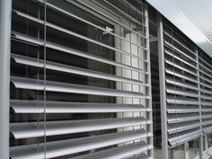 The Latest in Green Tech: 5 of the Cleanest, Greenest, Coolest New Inventions Balcony Blinds, Blinds For Windows, Window Blinds, Cool New Inventions, Exterior Blinds, Shading Device, Horizontal Blinds, Interior Windows, Roller Blinds