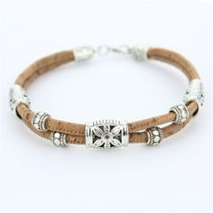 Antique Silver Plated woman flower cork bracelet is made from natural cork. Eco-friendly, comfortable and extremely lightweight woman flower bracelet. Bracelets Design, Handmade Bracelets, Making Bracelets With Beads, Bracelet Making, Leather Jewelry, Boho Jewelry, Leather Bracelets, Beaded Jewelry, Jewellery