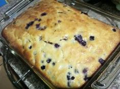 Blue Ribbon Blueberry Coffee Cake – Delicious recipes to cook with family and friends. Breakfast Cake, Breakfast Recipes, Blueberry Breakfast, Mousse Au Chocolat Torte, Baking Muffins, Pinch Recipe, Recipe Box, Blueberry Cake, Blueberry Delight