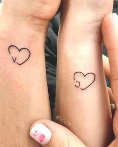 matching tattoo 42 Coolest Matching BFF Tattoos That Prove Your Friendship Is Forever Tattoos Friends, Cute Best Friend Tattoos, Matching Best Friend Tattoos, Cute Couple Tattoos, Matching Tattoos For Sisters, Bestie Tattoos Bff, Small Tattoos For Couples, Couples Matching Tattoos, Small Bff Tattoos