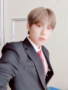 K Pop, Jin, Kim Dong, Kim Hongjoong, Korean Group, Korean Artist, Dance Class, Great Pictures, Taemin