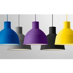 Unfold pendant is a reinterpretation of the classic industrial lamp, here from Muuto. The ceiling lamp is made of rubber and available in several lovely colors. Want a stylish pendant lamp for your home