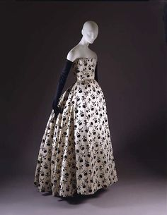 """Odette"", Designer: Christian Dior (French, Granville 1905–1957 Montecatini) Date: fall/winter 1953–54 Culture: French Medium: silk"