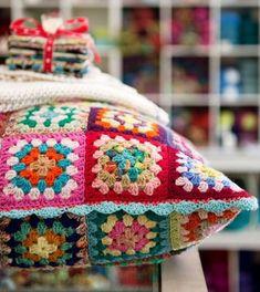 Gorgeous old skool granny square crochet pillow - Calico & Ivy on… Granny Square Crochet Pattern, Crochet Granny, Crochet Motif, Crochet Patterns, Crochet Home, Love Crochet, Crochet Yarn, Crochet Cushions, Crochet Pillow