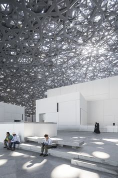 The much-anticipated Louvre Abu Dhabi, designed by Jean Nouvel, opens this week in the United Arab Emirates. Magazine Architecture, Light Architecture, Interior Architecture, Jean Nouvel, Louvre Abu Dhabi, Pool Shade, Wood Cladding, Ceiling Installation, Showroom Design