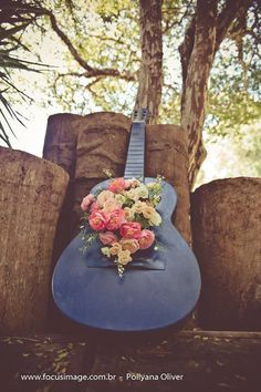 violao velho, decoração musical, musica para casamento, casamento vintage, wedding music, wesleyeaquilamusical.com