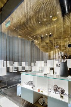 The Designers' Brands Collection Store Under the Golden Cloud, Beijing, 2016 - Atelier Tree Jewelry Store Design, Jewelry Stores, 60s Jewelry, Plastic Jewelry, Metal Jewelry, Jewelry Crafts, Vintage Jewelry, Handmade Jewelry, Jewelry Boxes Wholesale