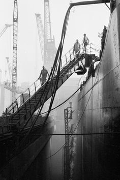 Guy Le Querrec PORTUGAL. Zone industrielle au sud de Lisbonne. Chantiers naval de Lisnave. Thursday 25th July, 1974.