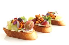 Rebandas de Uva – Sweet grapes, roasted chili lime peanuts & cream cheese on a toasted baguette.  More: http://www.sohotaco.com/2014/07/14/taco-catering-with-fantastic-appetizers  #tacocatering #ocfoodies