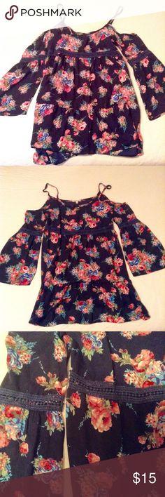Charlotte Russe Navy Floral Dress Charlotte Russe Navy Floral Dress. Spaghetti Straps with bell sleeves. Used once. Charlotte Russe Dresses Mini