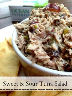 Who says tuna salad has to be loaded with mayo and slathered between 2 pieces of bread?! Check out this low fat Sweet and Sour Tuna Salad! It's easy and delicious!! Served with pita chips or pita pockets! YUM #OceanNaturals #shop #cbias
