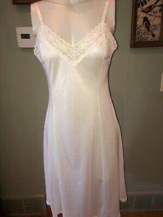 Slip Dresses, Formal Dresses, Ugly Outfits, White Slip, Ladies Slips, Nightwear, Women Lingerie, Cloths, Vintage Fashion