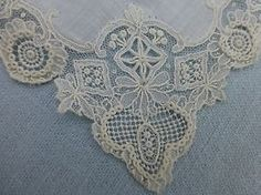 Beautiful antique Brussels Point de Gaze lace hanky hankerchief - wedding hanky