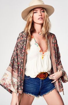 Music festival season is here, and when it comes to chic, outdoor fashion, Free People has the answer. The bohemian fashion retailer offers up numerous outfit ideas in a new lookbook from Nordstrom. Related: Frederikke Sofie Rocks Bohemian Outfits for Free People Model Martha Hunt stars in the fashion shoot wearing a colorful mix of …