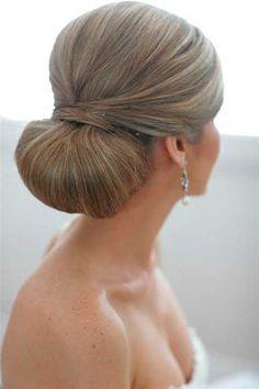 Spezielle Hochzeits-Hochsteckfrisuren für einen auffälligen Look
