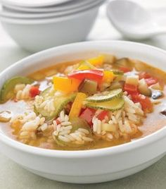 sopa de verduras y arroz Mexican Food Recipes, Healthy Recipes, Ethnic Recipes, Deli Food, Warm Food, Light Recipes, Stew, Cravings, Yummy Food