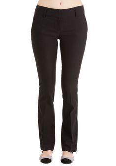 Portfolio Panache Pants. Your collective body of work is as flawless as your fashion sense, especially when you flaunt these pocketed black pants! #black #modcloth