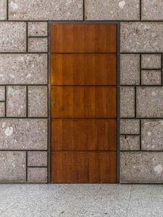 CN10 Gianluca Gelmini Architetto · Giulio Minoletti. Edificio a ville sovrapposte nel giardino dell'Arcadia (1959-60) · Divisare