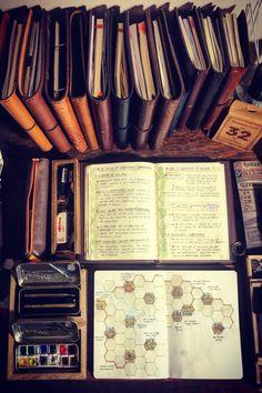 Moleskine Notebook, Pocket Notebook, Journal Covers, Book Journal, Agenda Book, Messy Desk, Work Tools, Day Planners, Bullet Journal Inspiration
