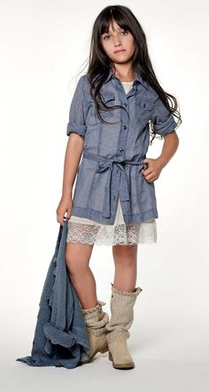 TWIN-SET Girl collection: Shirt dress with buttons and belt, petticoat with lace and boots with fabric leg