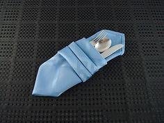 Photo courtesy  Napkin Folding Secrets .
