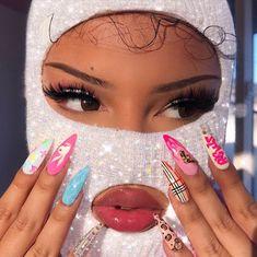 I really wanna get my nails done makeup Xobrendababe on Insta Aesthetic Makeup Insta Makeup Nails Schmetterling wanna Xobrendababe Badass Aesthetic, Boujee Aesthetic, Black Girl Aesthetic, Aesthetic Collage, Aesthetic Makeup, Aesthetic Grunge, Fille Gangsta, Gangsta Girl, Wedding Nails For Bride