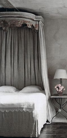 ♅ Dove Gray Home Decor ♅ bedroom with antique canopy...fresh modern approach with a romantic aura