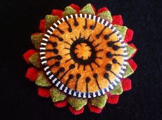 Resweater: Recycled wool brooches, pins, and clips week - Wooly Fabulous