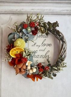 How To Wrap Flowers, How To Preserve Flowers, Diy Flowers, Country Wreaths, Fall Wreaths, Christmas Wreaths, Dried Flower Wreaths, Dried Flower Bouquet, Flower Crafts
