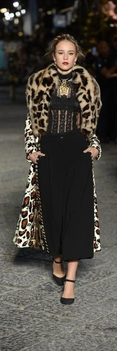 Dolce and Gabbana fall 2016 alta moda couture