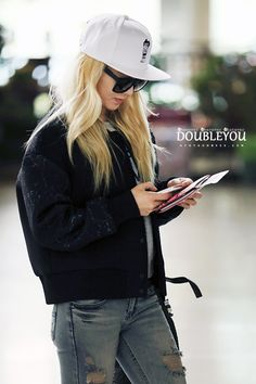SNSD Hyoyeon Airport Fashion 2014