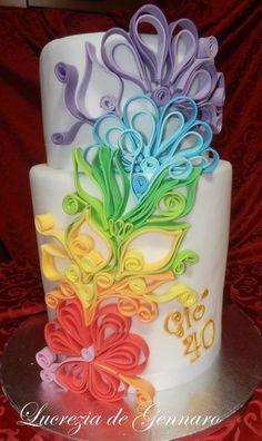 Cake design: la tecnica del quilling - Cakemania, dolci e cake design Gorgeous Cakes, Pretty Cakes, Amazing Cakes, Crazy Cakes, Fancy Cakes, Quilling Cake, Just Cakes, Colorful Cakes, Cake Boss