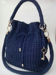 Marvelous Crochet A Shell Stitch Purse Bag Ideas. Wonderful Crochet A Shell Stitch Purse Bag Ideas. Crochet Shell Stitch, Crochet Yarn, Crochet Stitches, Crotchet Bags, Knitted Bags, Crochet Handbags, Crochet Purses, Crochet Bag Tutorials, Crochet Sunflower