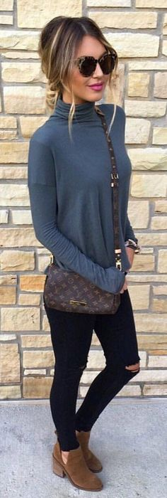 #winter #fashion /  Grey Dotted Turtleneck / Black Destroyed Skinny Jeans / Brown Suede Booties
