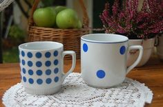 Dining Area, Kitchen Dining, Dot Dot, Type 3, Cups, Polka Dots, Facebook, Glasses, Retro