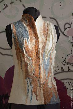 """Купить Жилет """"Этюды"""" - белый, абстрактный, жилет валяный, жилет шерстяной, зимняя одежда"""