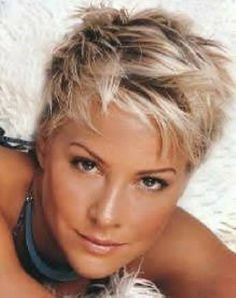 short messy hairstyles for fine hair Short Pixie, Short Hair Cuts, Short Hair Styles, Pixie Cuts, Ash Blonde Hair, Blonde Pixie, Sassy Hair, Haircut And Color, Pixie Haircut
