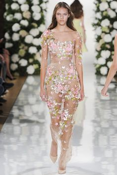 Bridesmaid dress? Valentin Yudashkin womenswear, spring/summer 2015, Paris Fashion Week