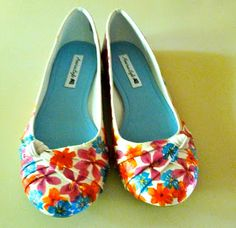 Make it easy crafts: Easy Flowery shoes with Mod Podge and floral napkins!