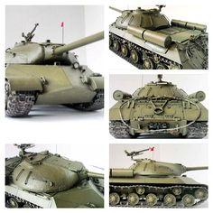 JS-3 (Stalin) by Tamiya. ИС-3 - советский тяжёлый танк периода Великой Отечественной войны . Масштаб модели: 1/35 Длина в собранном виде: 278 мм. Особенности модели: хорошо проработанная тектурированная поверхность; точная отделка решеток, пулемета, колес и подвески; детализированная фигурка командира танка.