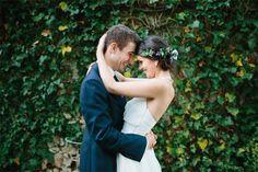 Noivos abraçados. #casamento #noivos #NunoFerreira
