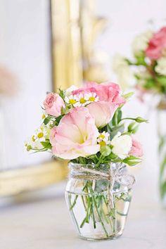 simple yet pretty floral arrangements in miniature jars   onefabday.com