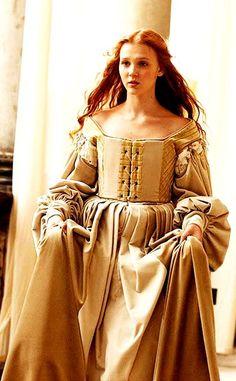 Duchess Bianca d´Oeste, princess Caterina´s daugther and emperor Ascanius´s niece Los Borgia, Lucrezia Borgia, The Borgias, Renaissance Mode, Renaissance Fashion, Italian Renaissance, Renaissance Dresses, Period Costumes, Movie Costumes