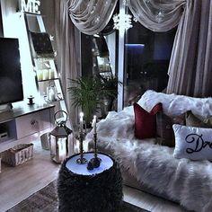 Interior Living Room Design Trends for 2019 - Interior Design My Living Room, Home And Living, Living Room Decor, Romantic Living Room, Interior Exterior, Home Interior, Interior Design, My New Room, My Room